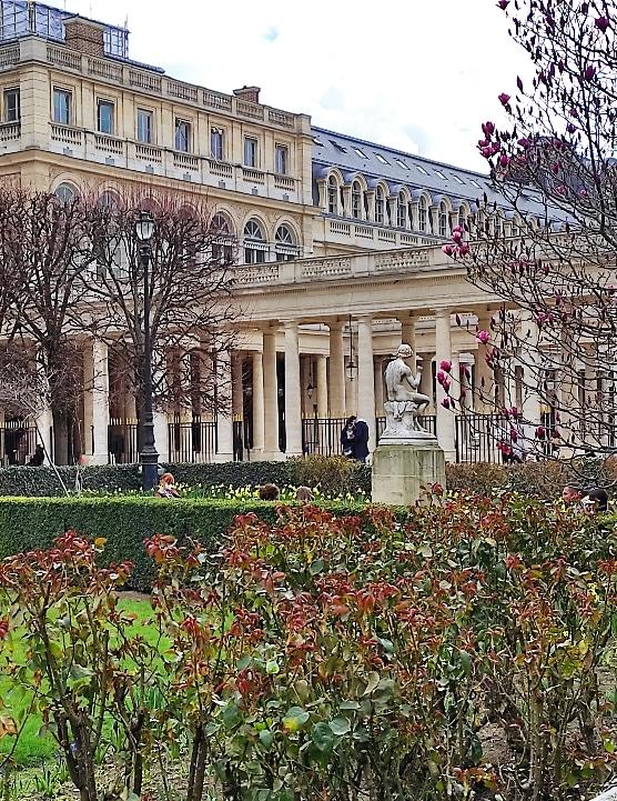 Gossips of Paris - unexpected guided tour of Paris